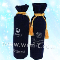 Non-woven liquor fabric gift bags pattern for bottle wine