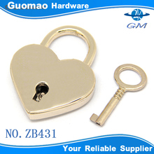 Heart shape metal padlock with key for bag/case/box