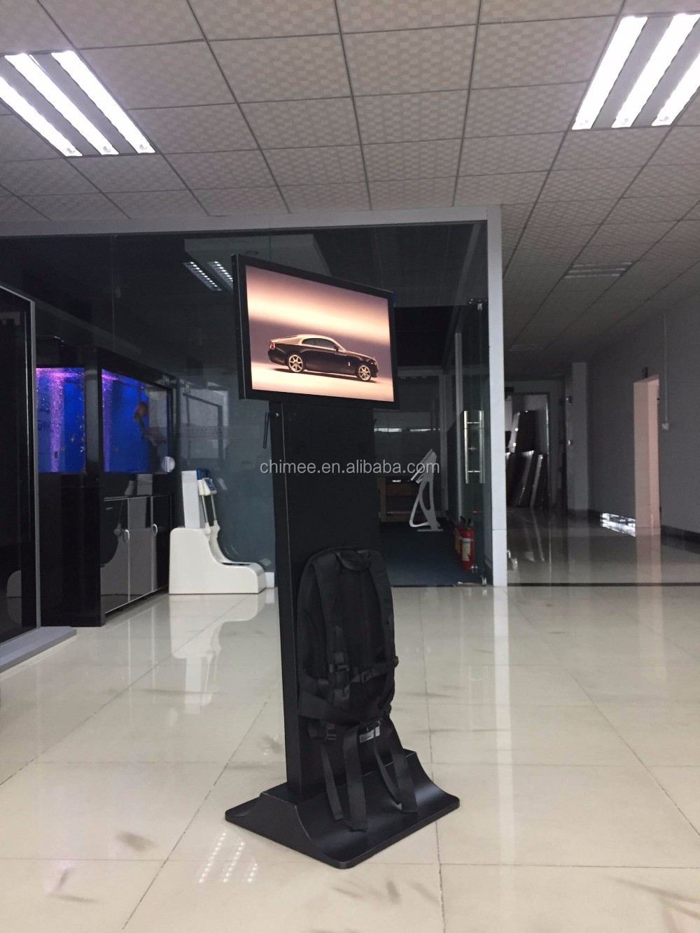 HQ240-P3 24 inch lcd displaying video photo music advertising equipments for company restaurant advertising with playing records