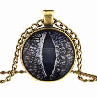 Vintage Jewelry Dragon Cat Eyes Glass Cabochon Round Pendant Chain Necklace