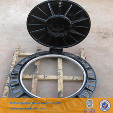 Customized Ductile Iron Manhole Cover and Frame Clay Sand Casting