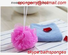 colorful factory direct sponge carpet underlay plastic long handle puff mesh bath sponge