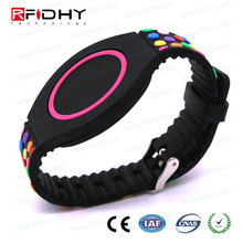 Waterproof Programmable Silicone RFID Wristband/NFC Ntag213 Adjustable Bracelet