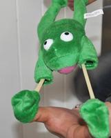 Novelty Customized Plush Frog Flingshot Flying Slingshot Toy/Animal with Scream Sound