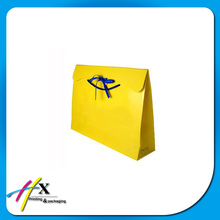 Guangzhou gift & crafts packaging shopping paper bag with tie ribbon