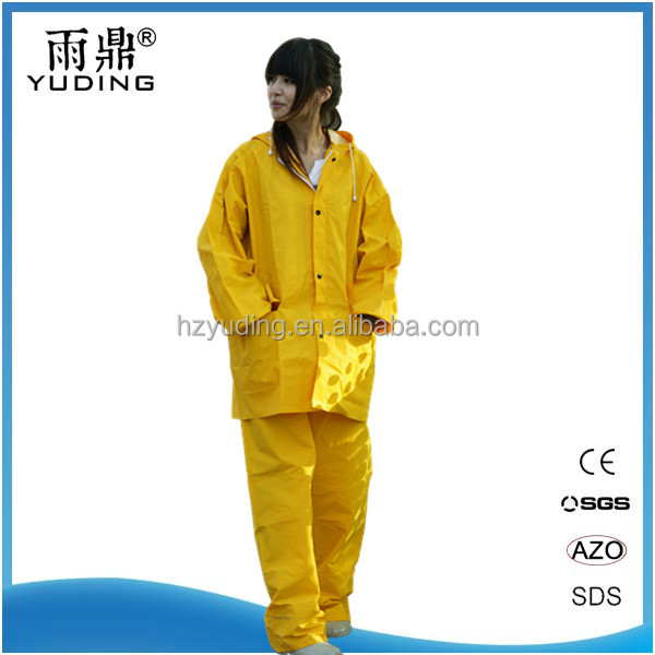 Wholesale High Quality 0.32mm PVC/POLYESTER Water Proof Rain Suit
