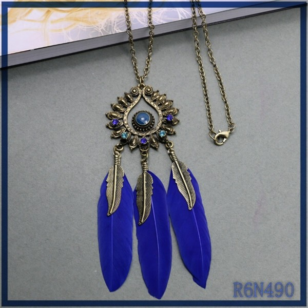 Yiwu newest jewelry wholesale vintage feather jewelry unique unisex necklace feather meaning