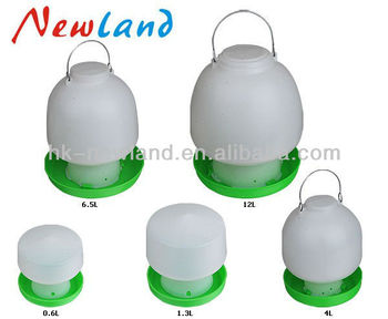 2016 plastic poultry drinker 0.6L 2.5L 1.3L 4L ball chicken drinker