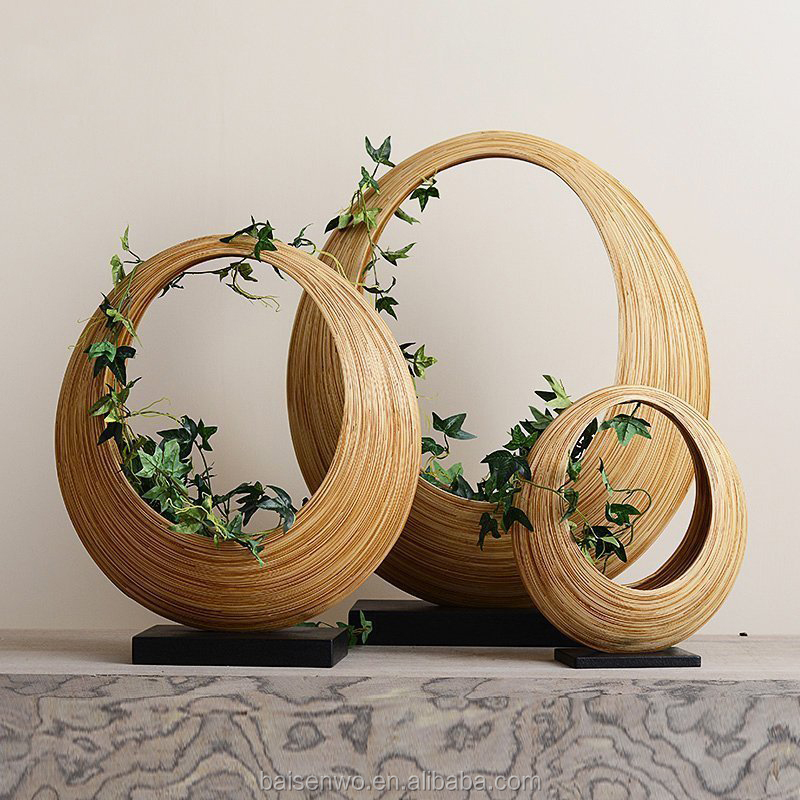 Manufacturers selling wooden ornaments are curved / business gifts
