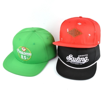 Low moq customized 6 panel embroidered custom snapback hats wholesale