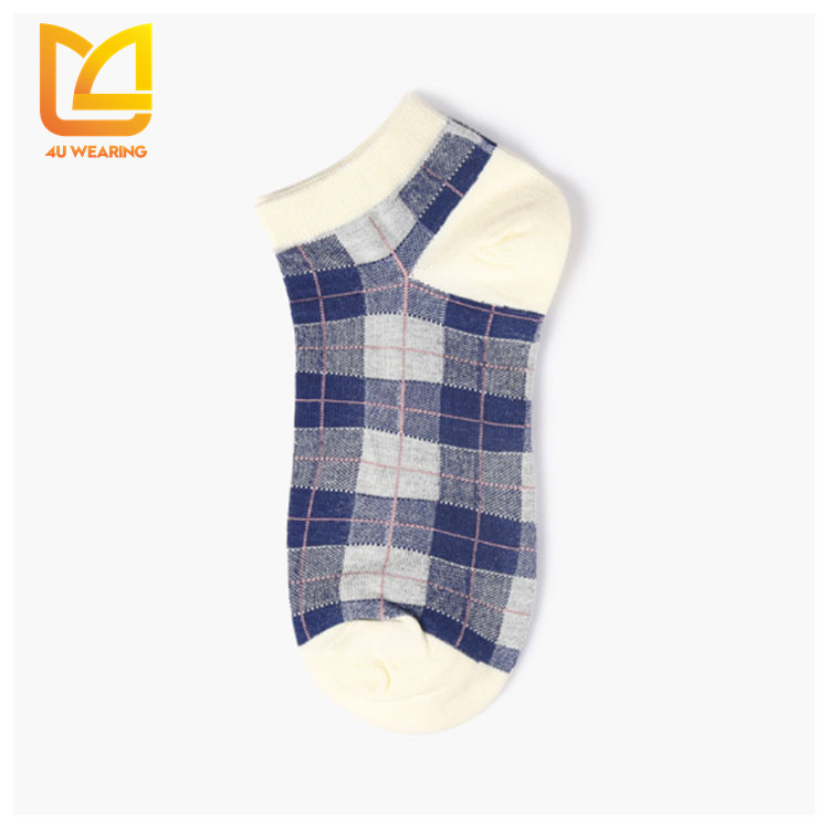 2017 Winter cotton check e commerce snow 3d cartoon adult tube socks