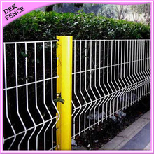House Synthetic Curved Metal Fence Panel