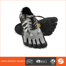2014 new design waterproof rubber climbing shoes five finger shoes