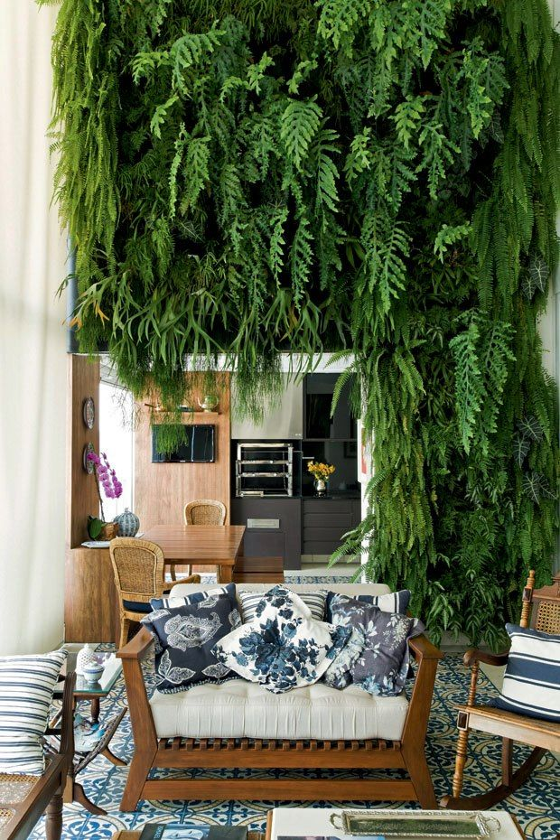 Hot Artificial Vertical Plastic Green Wall Garden with Lush Hanging Leaves