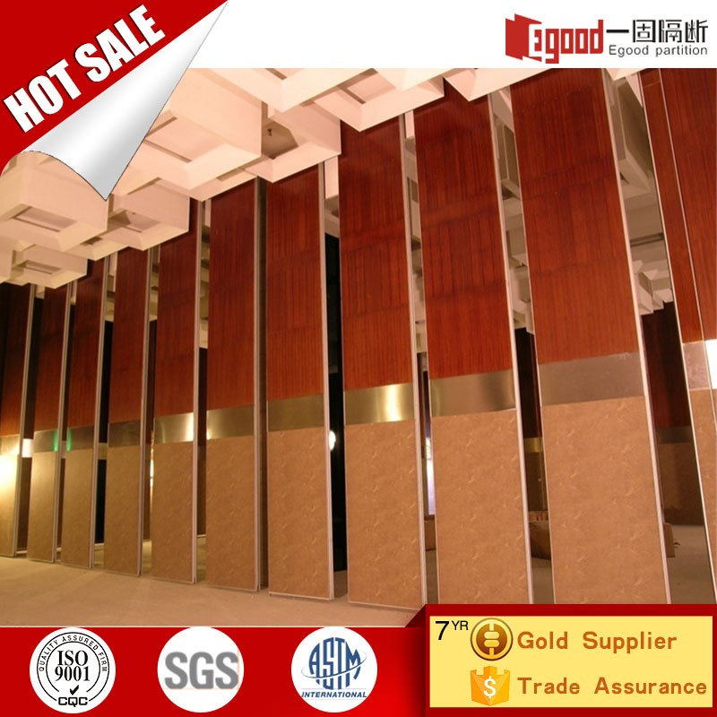 Use folding sliding movable partation sale inexpensive folding partion doors for pakistan lahore hotel home