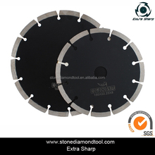 Diamond concrete wall saw blade