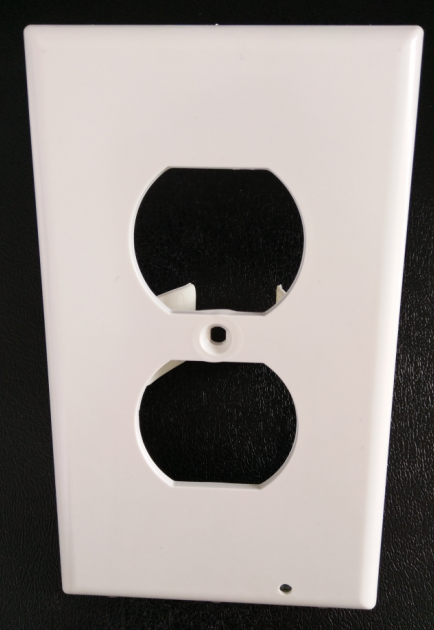 With LED Night Lights White SnapPower Guidelight Outlet Coverplate