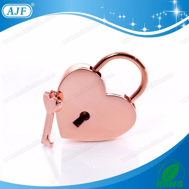 A01-023HG rose love lock 1.jpg