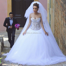 2018 Wedding Dress Ball Gown Lace Applique Beaded Crystals Wedding Ball Gown with Peals