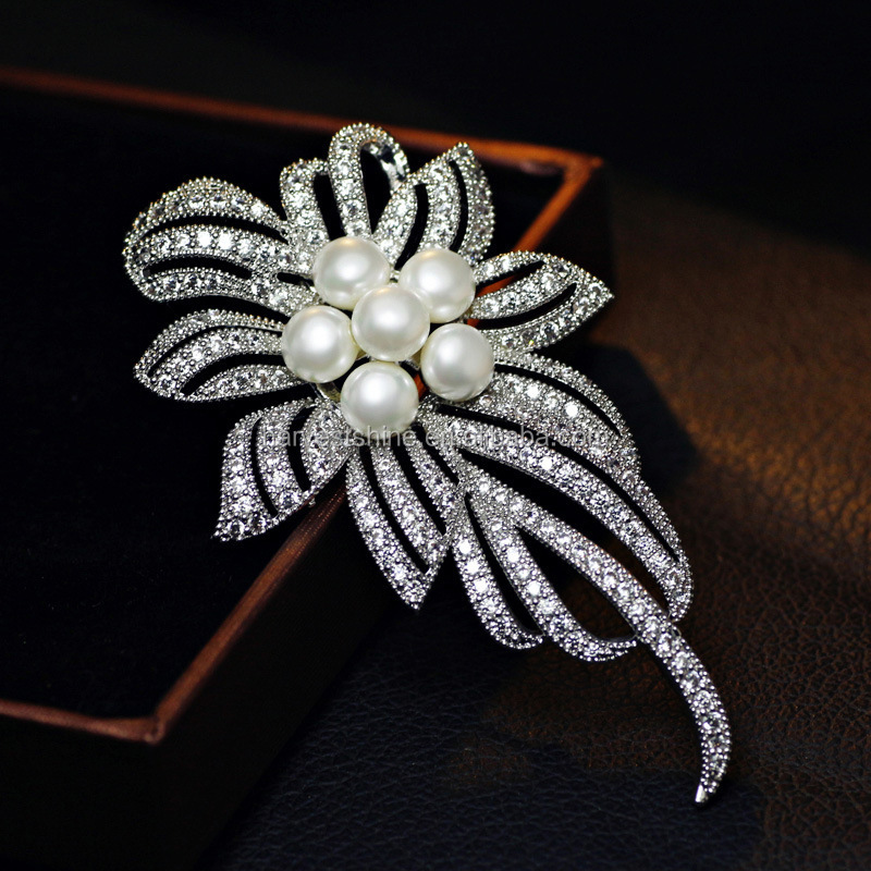 Platinum Plating Women Brooches,Pearl Rhinestone Brooch Pin
