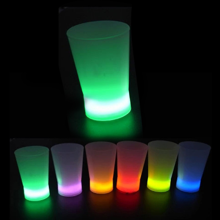 N556 Custom popular bar plastic flashing light Led cup