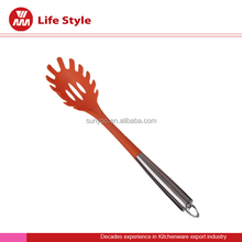nice desige good quality orange kitchen tool pasta fork/Spaghetti spoon