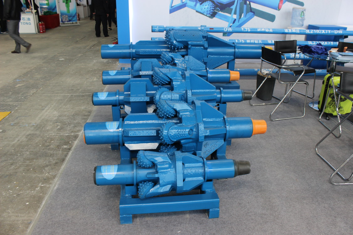 API Standard hole opener for gas well drilling