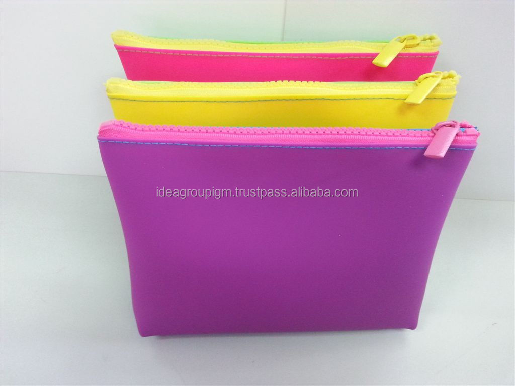 Silicone pencil pouch- Cosmetic pochette - beauty bag