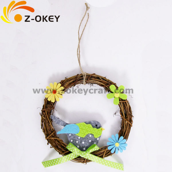 With bird and flower decoration felt crafts wreath 2018 Easter egg decoration