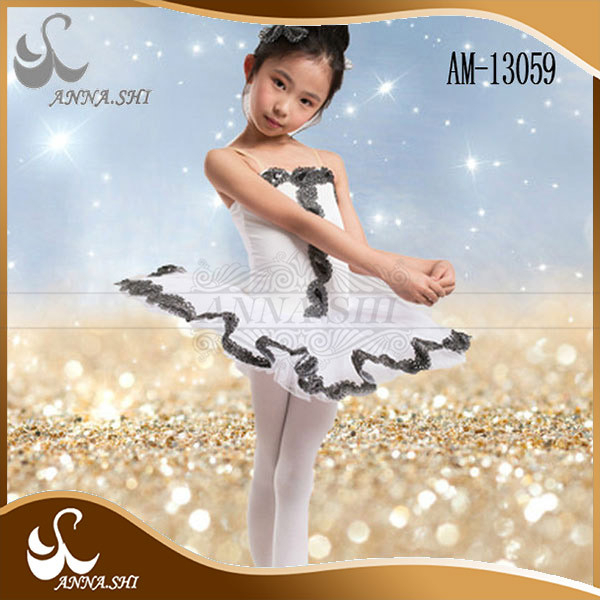 Dance wear supplier Fashion Fitting white and black lace kid child ballet costume