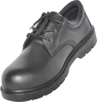 Oil and water resistant safety shoe with genuine leather