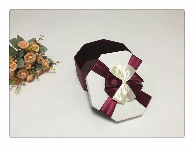 sweet engagement paper gift box packaging box for wedding