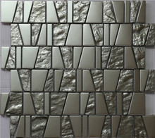 irregular shapes gold and sliver mosaic wall tile