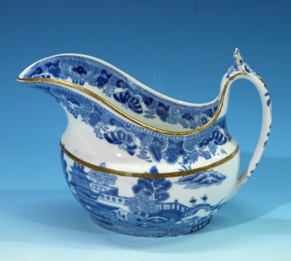 ANTIQUE VICTORIAN SAUCE OR GRAVY BOAT HAND MADE PAINTED ANTIQUE REPRODUCTION
