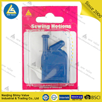 hot selling wholesale plastic needle threader in blister card