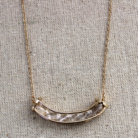 Have a curve shape pendant gold plating nacklace