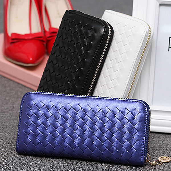 W153 China Supplier new design low price weave lady photo id cards purse