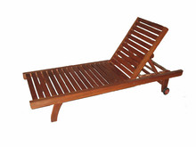 Good price Classic wooden deck chair/ beach chair/ outdoor beach chair
