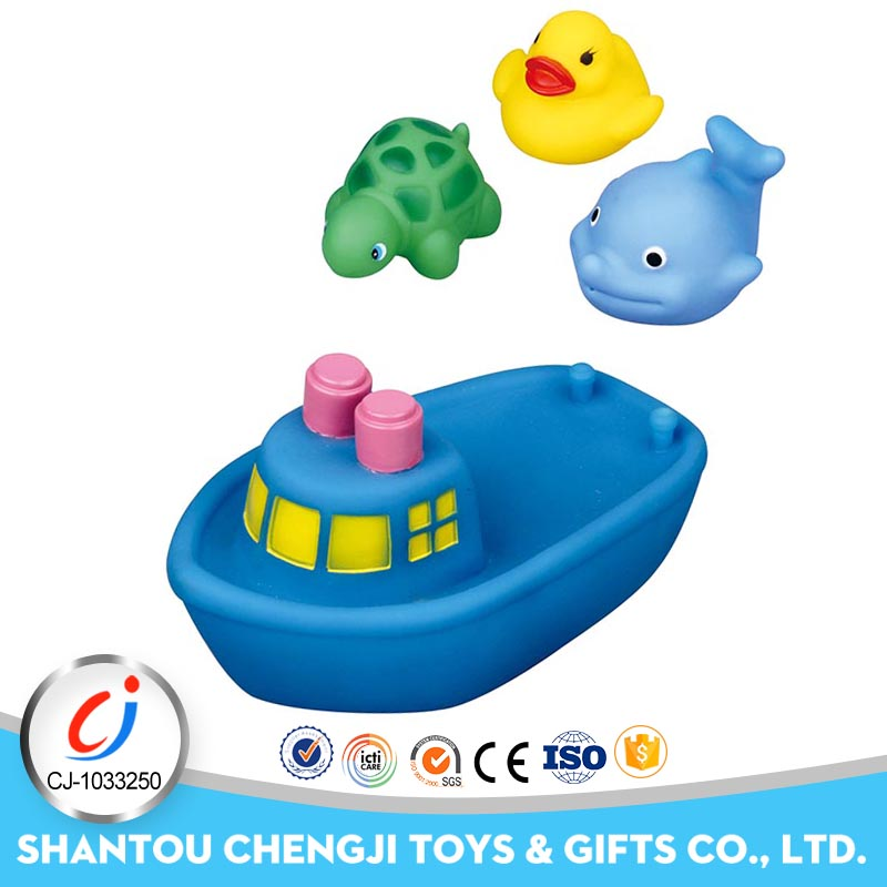 Eco-friendly baby rubber bathing toy boat with BB sound