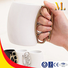 MLB-1654 Electroplated Creative Brass Knuckle Handle Mug CEREMIC Coffee mug