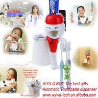 New Innovative Family automatic toothpaste dispenser & toothbrush holder