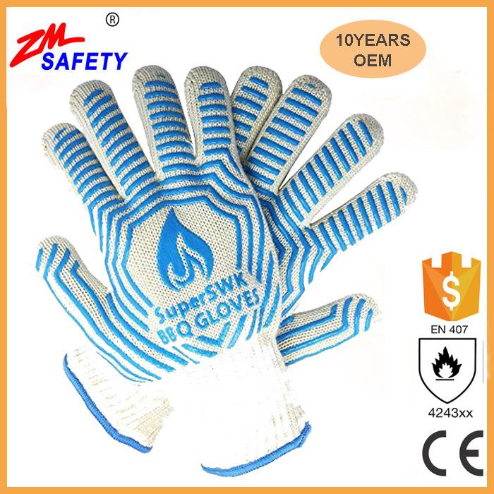 2017 hot selling kitchen cooking heat resistant bbq gloves