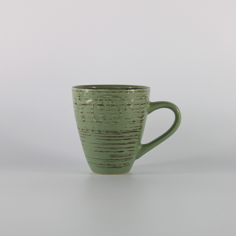chinese supplier adorable ceramic new item embossed with antique brush mug for gift