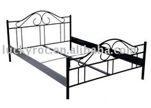 confortable steel double bed