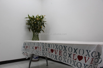 Cheap top imitation plastic fitted tablecloth Valentines' Day XO table cover