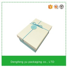 DFY1279 White flower bouquet carton box packaging with hot stamping logo