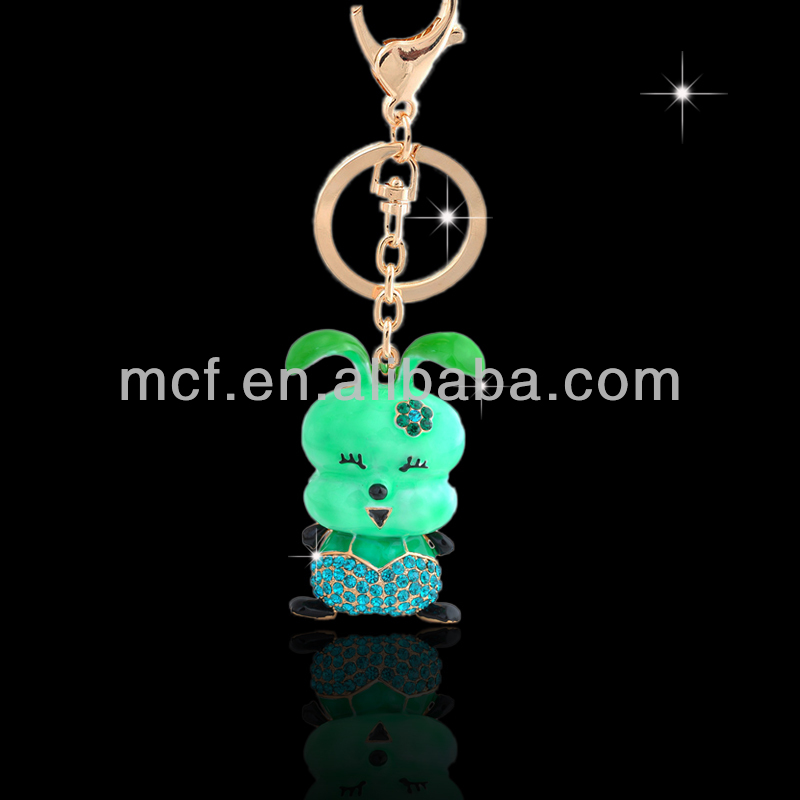 Promotional wholesale custom crystal souvenir metal rhinestone cute Dog puppy keychain manufacturer in yiwu China MCA-0029