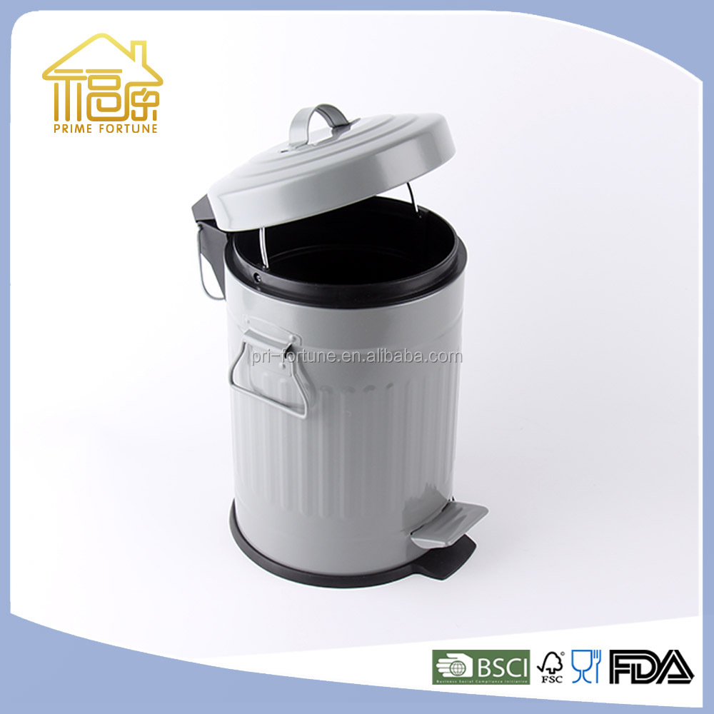 Design Dustbin 20 liter Plastic Pedal Dustbin Outdoor Trash Bin