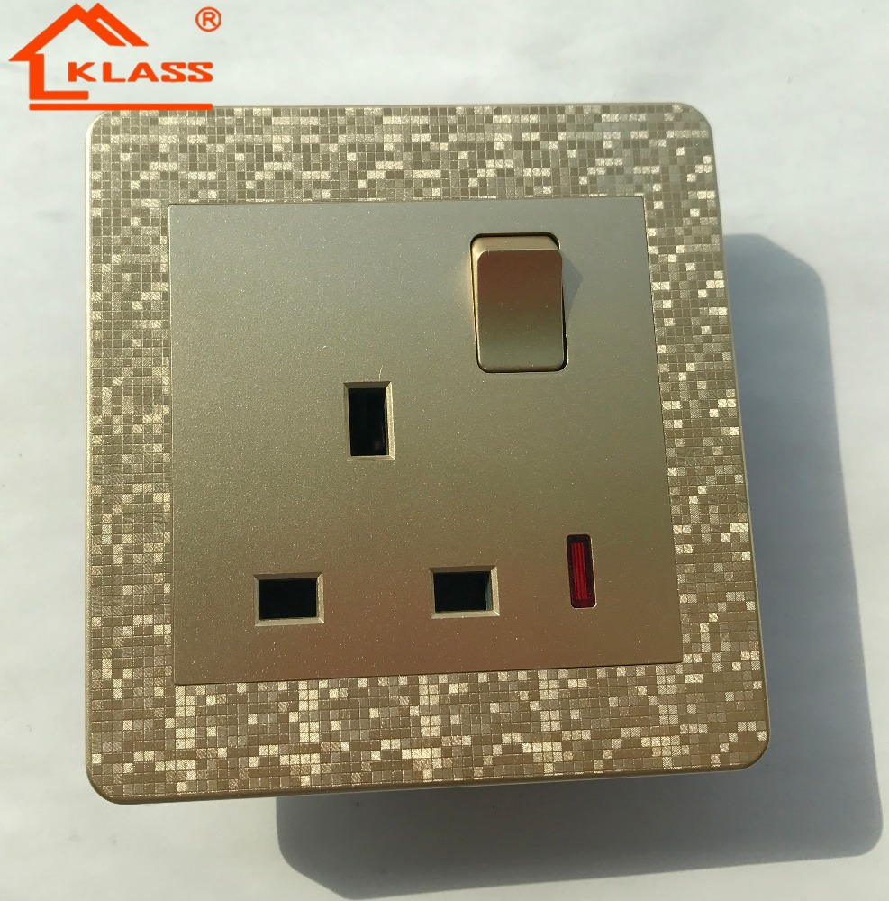 220V~250V,13A British socket switch with three Holes, LED indicator, PC panel material