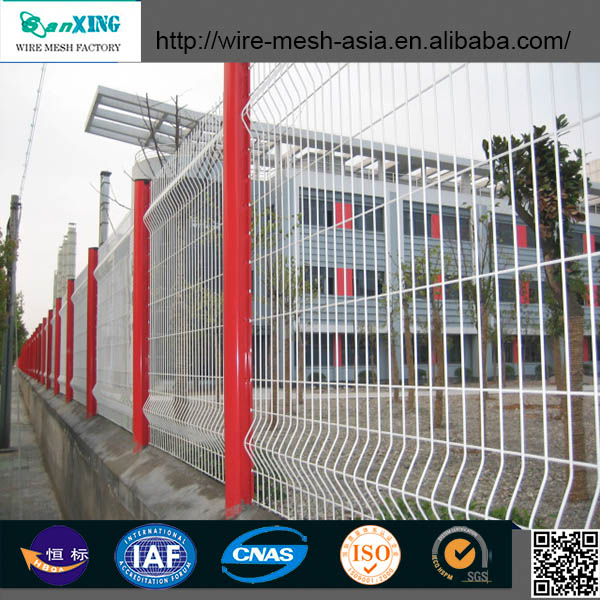 2015new product Beautiful Grid Wire Mesh Fence/ Fence Netting